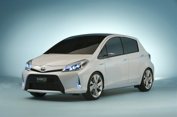 Toyota_Yaris_Hybrid_concept_official