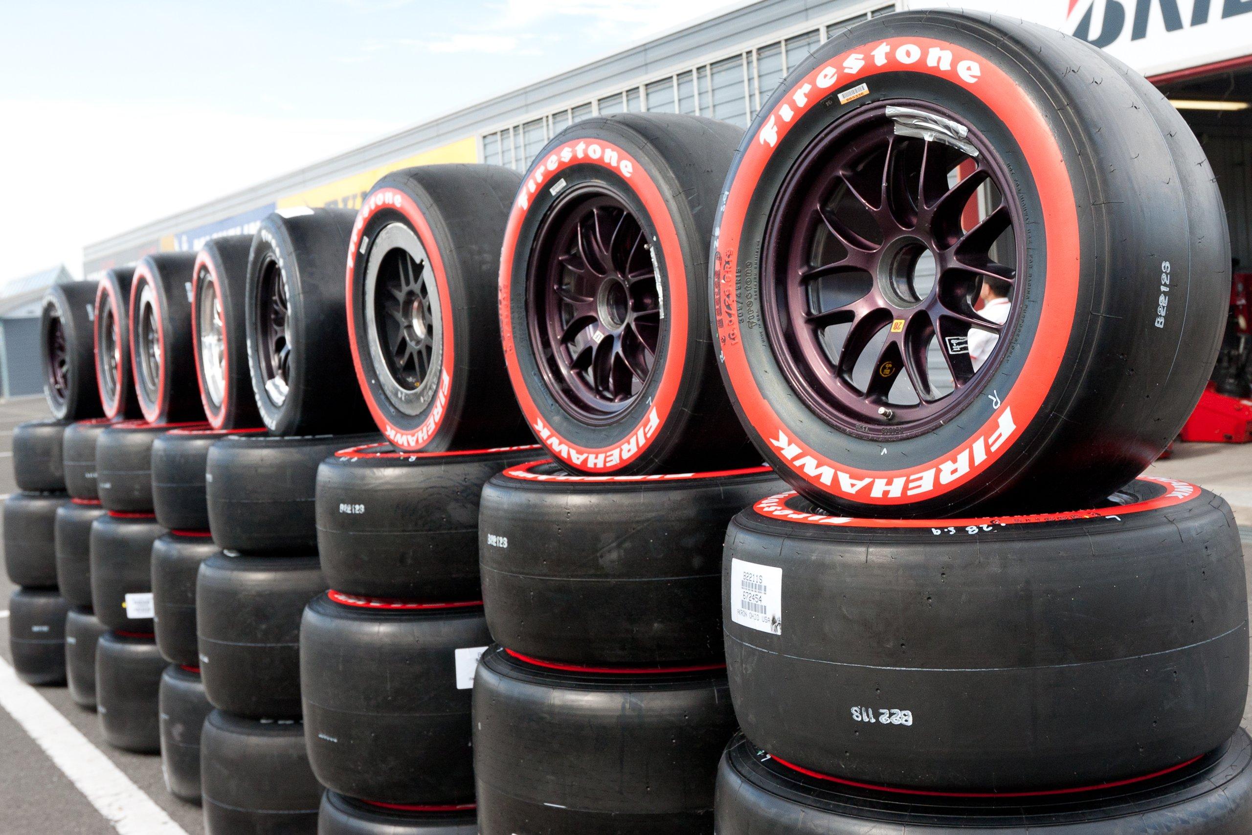Firestone_tires_2011_Indy_Japan_300